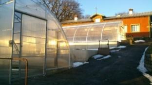Ombygnation av växthus, från korrigerad plast till poly